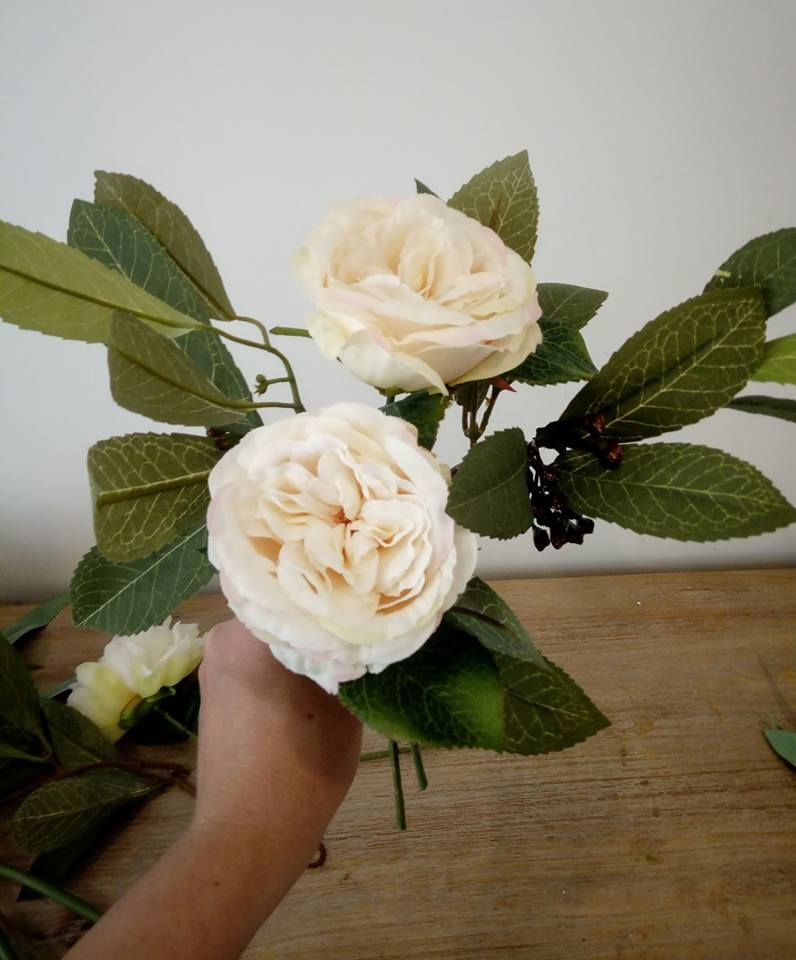 Bridal bouquet and 4 simple bridesmaid posies... 26